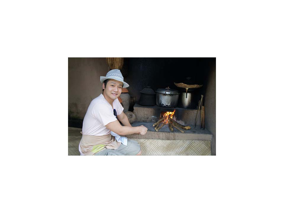 歌手李崗霖在發片前夕 跑去峇里島學廚藝