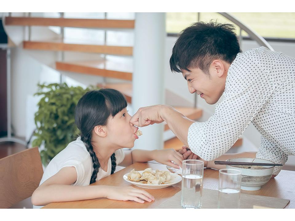 鄒承恩首次當爸 與歐陽娣娣演父女 他笑說:很新鮮
