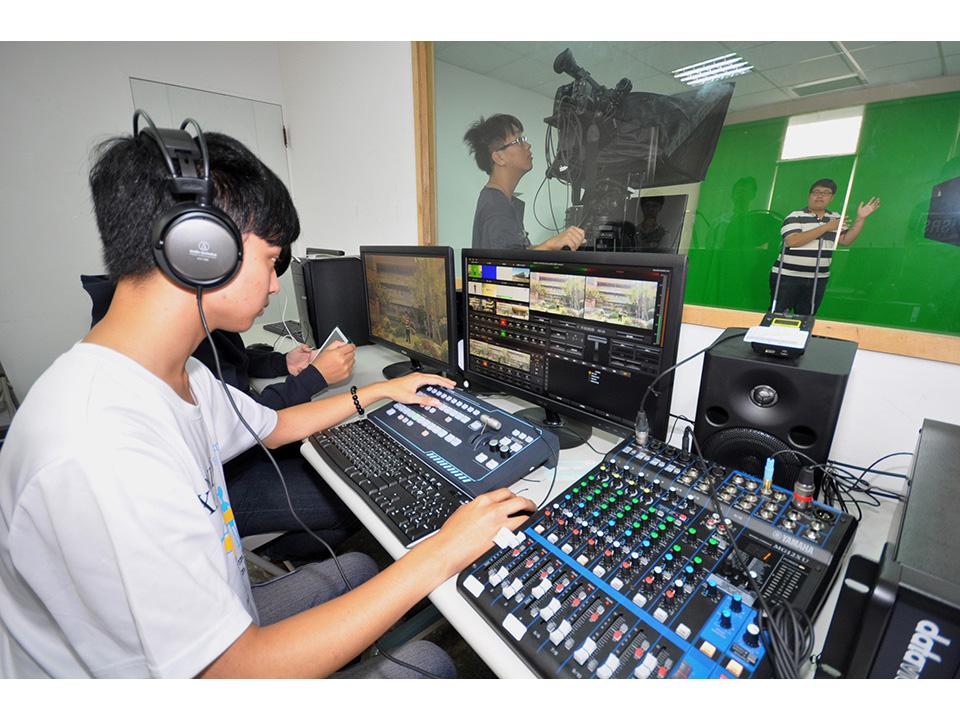 中州「擴增虛擬攝影棚」培育多媒體行銷先鋒