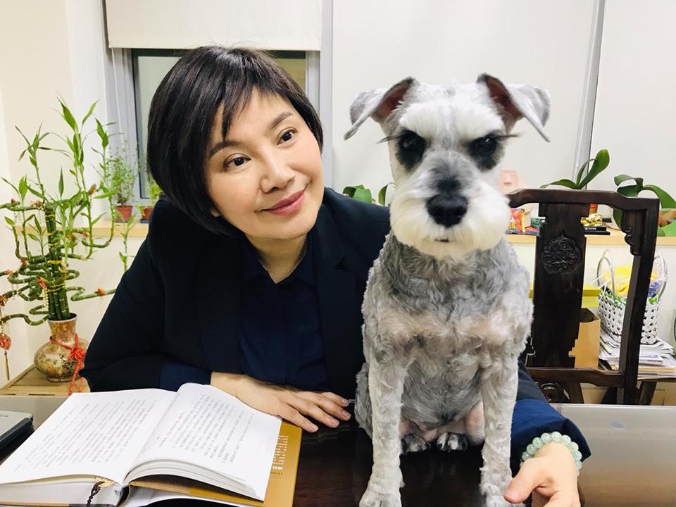 唐美雲愛狗成癡,「愛生、護生」思想的實踐者