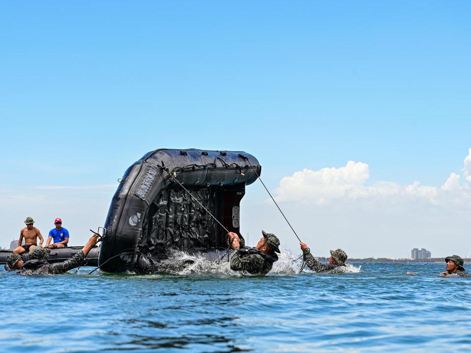 漢光操演陸戰隊膠舟翻覆意外 7人落海3人裝葉克膜急救