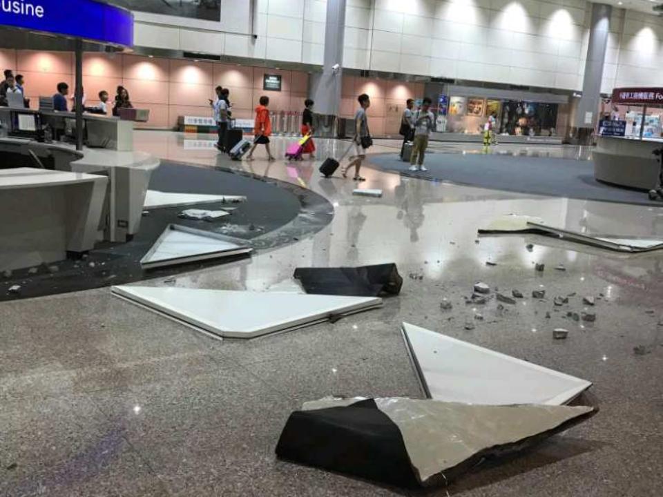 桃機二航天花板崩塌 落險砸傷旅客