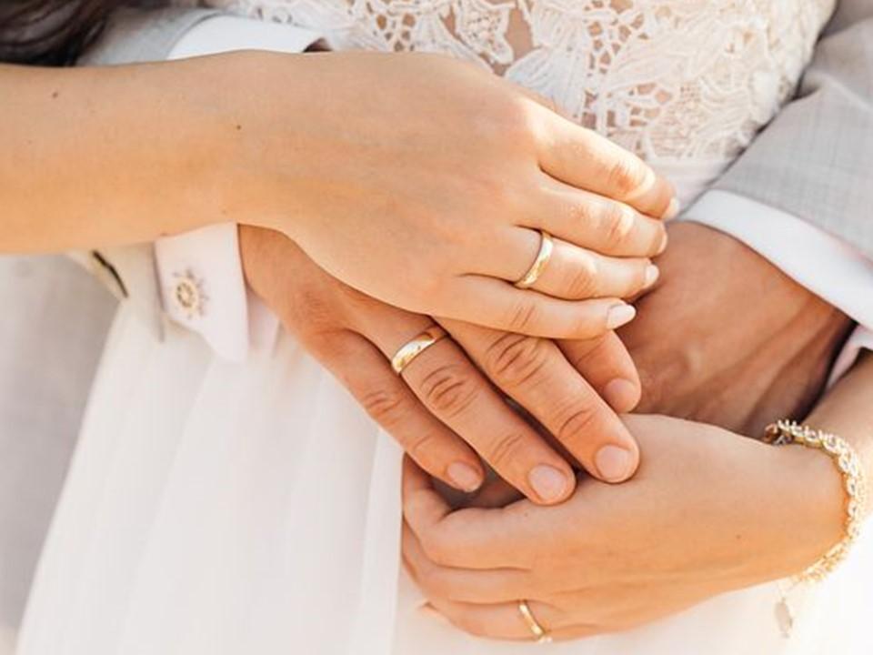 新婚不久鬧離婚!媳被追討金飾回嗆婆婆「還我貞操」