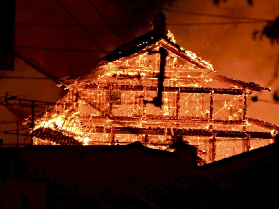 世遺沖繩首里城重建又焚燒殆盡 「木材從台灣來的」