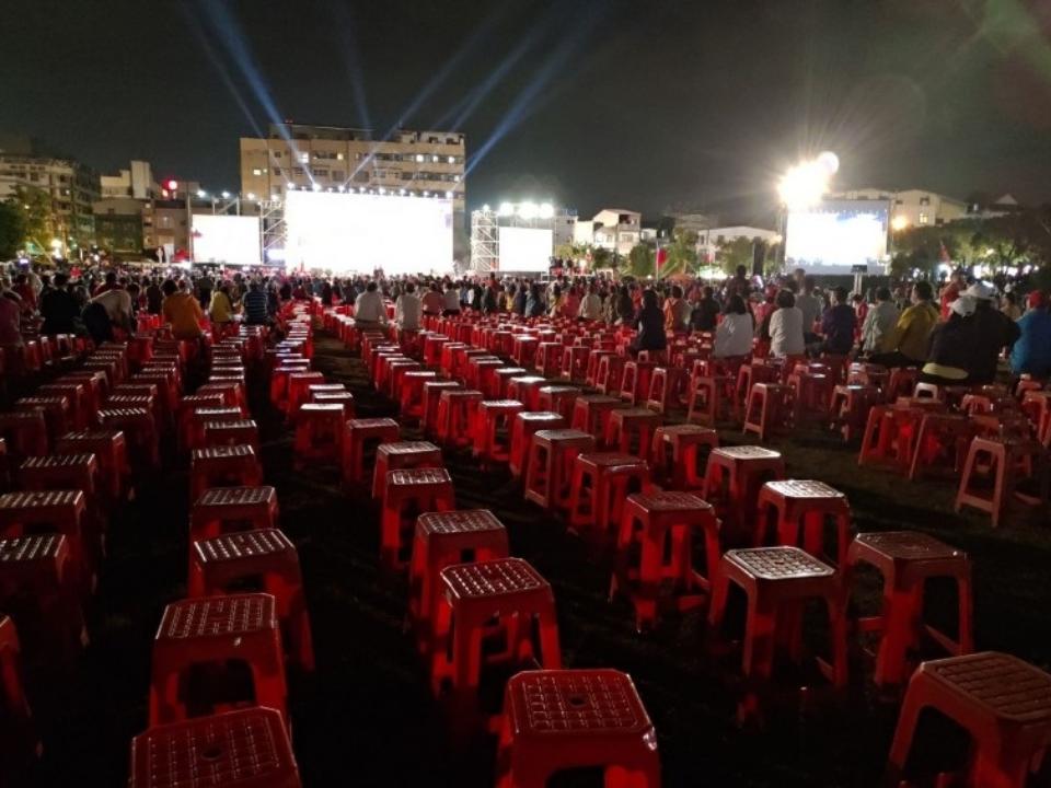 韓流退燒!韓國瑜和彰化庶民有約 五千張椅子一半沒人坐