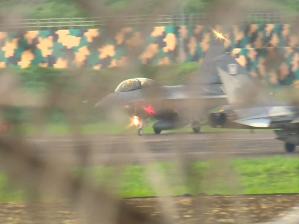 漢光預演出包 戰機「插進土裡」