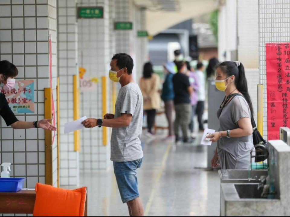 陳柏惟罷免案已現排隊人潮 投票率估約4成7