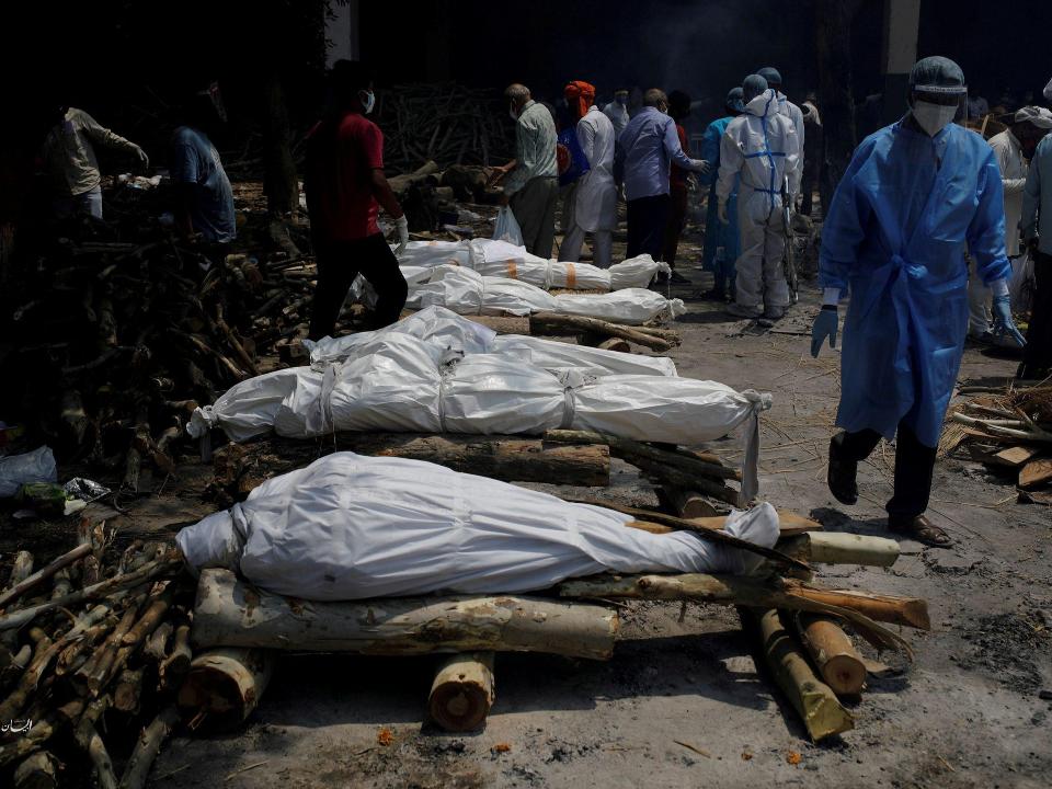 印度疫情續燒!單日增逾40萬例確診 4千多人死亡創新高