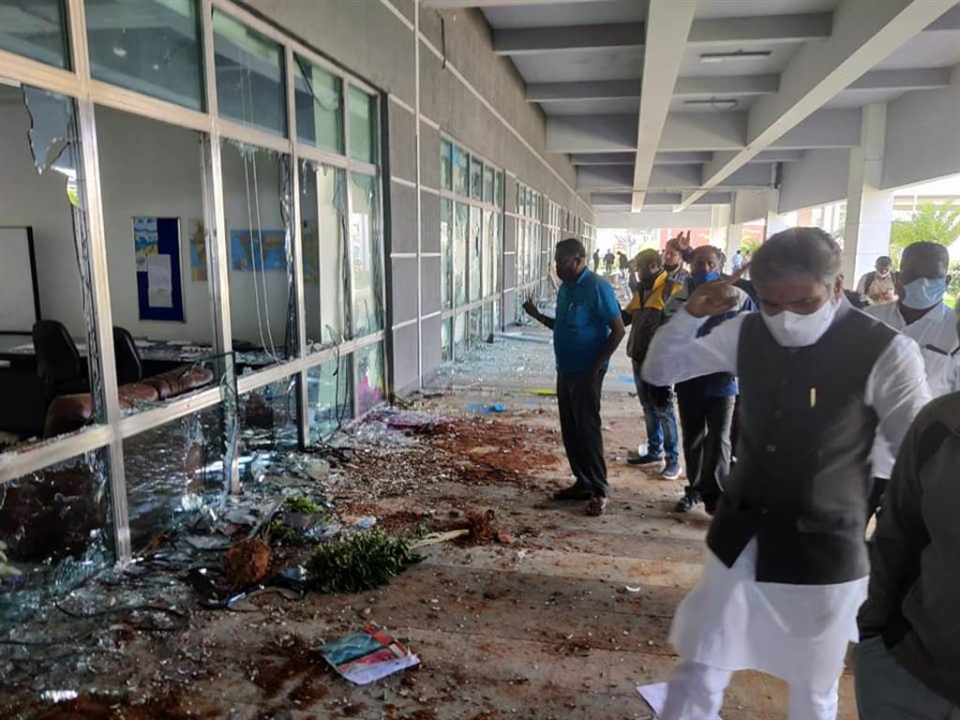 緯創印度廠暴動 iPhone被偷光機房砸毀「損失16億新台幣」