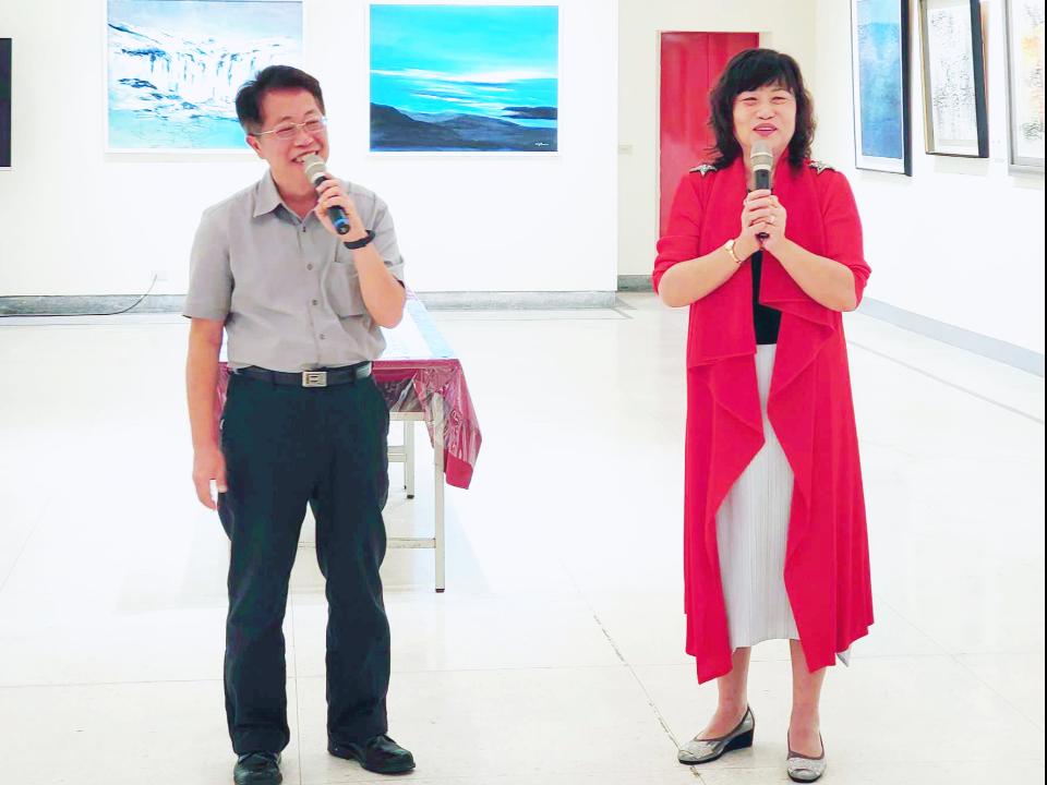 畫家王美玥「洗墨」26年映描心路歷程 大墩藝廊展4D藝術光影魅力作品