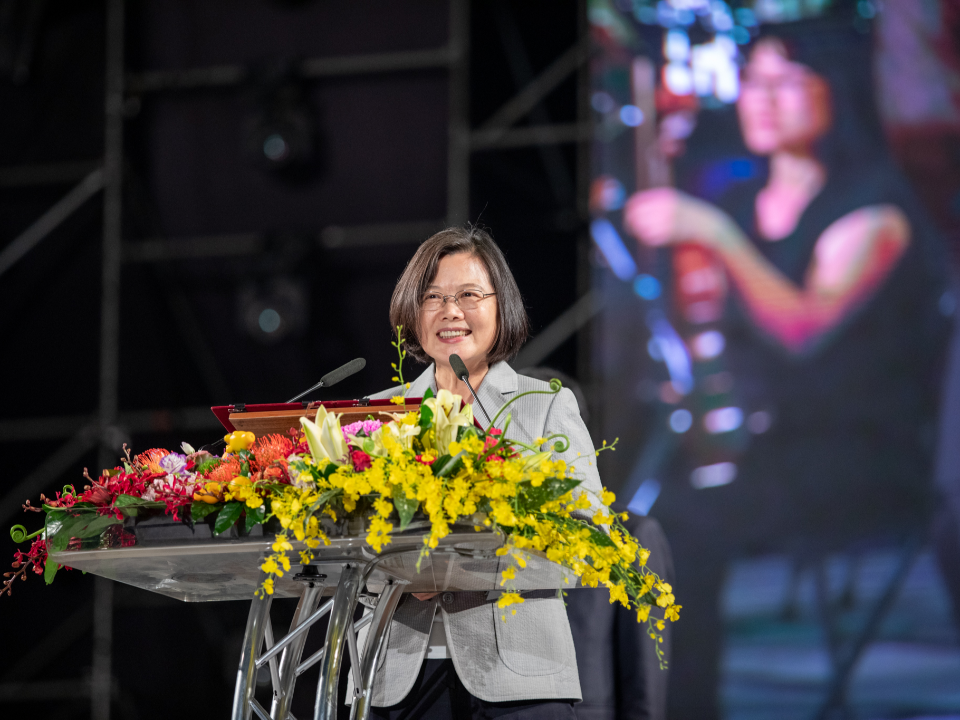 屏東國慶焰火32萬人爭睹 42分鐘的聲光視覺震撼