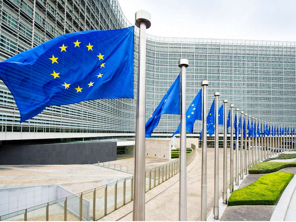 580:26 歐洲議會壓倒性挺台