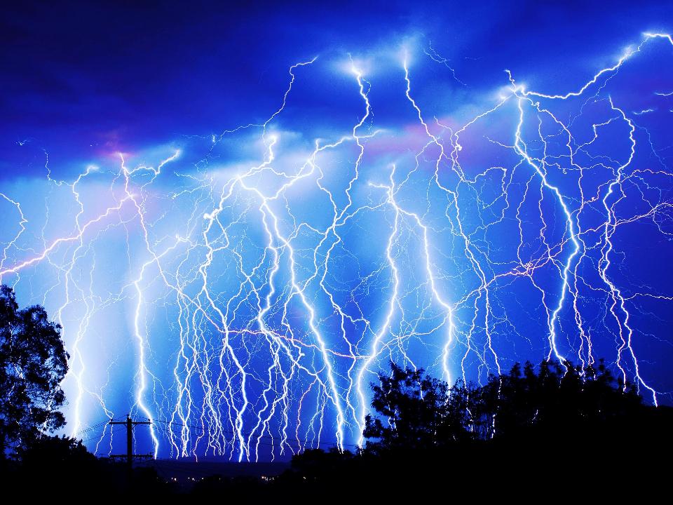 午後雷雨出現3萬2千次閃電 恆春台東雨勢增強