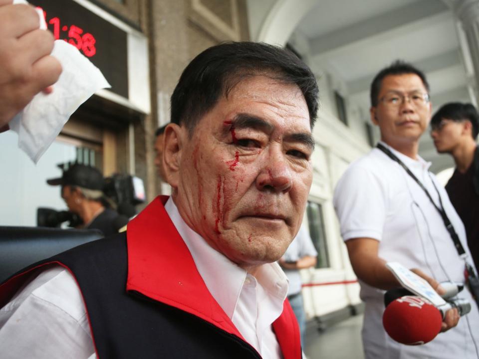 韓國瑜缺席!藍綠議員爆混戰 劉德林破頭「血濺議會」