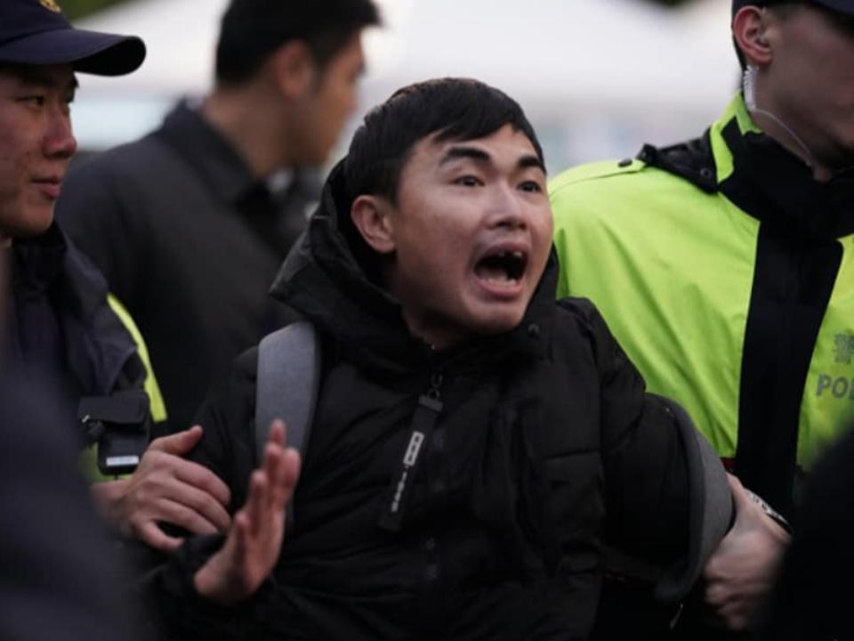 2020總統府升旗 吃屎哥怒喊:韓國瑜是騙子