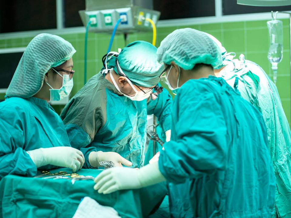 武漢肺炎全球逾135萬人感染 世衛:全球缺近600萬護理人員