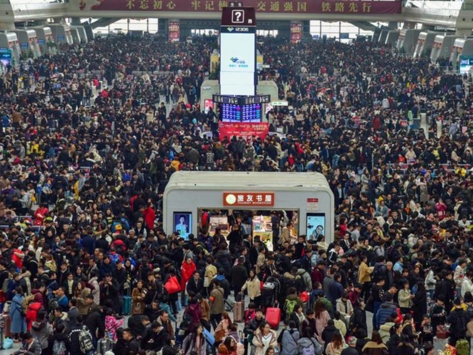 中國民眾糾結「已經半年沒回家」「春運」拉開帷幕