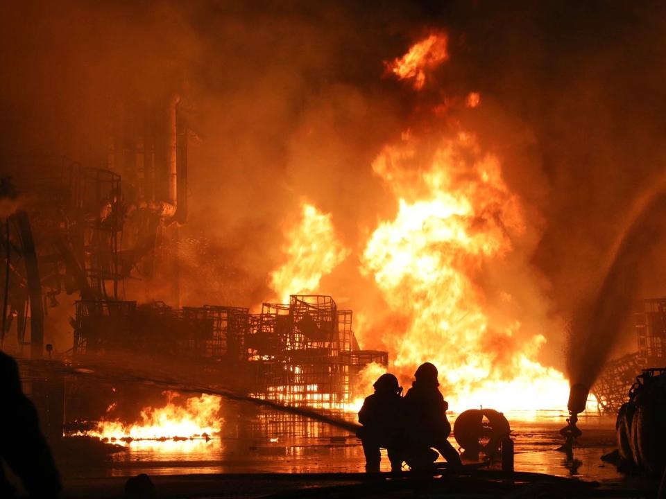 黑煙亂竄!林園化工廠房爆炸 環保局重罰500萬元