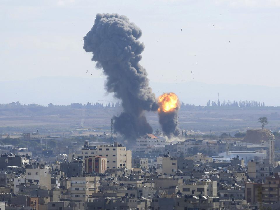 痛批和平協議背叛 兩枚火箭彈襲擊