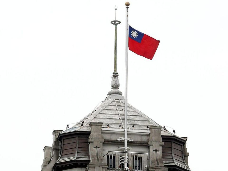 悼念「城中城」罹難者 政院深夜宣布 22日全國降半旗